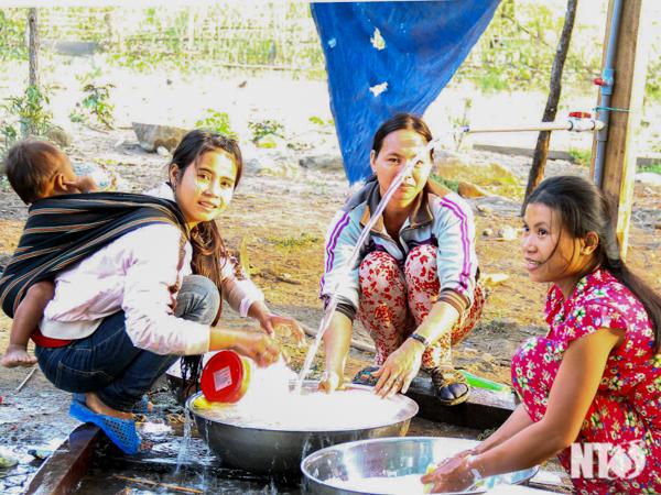 Người dân miền núi Ninh Thuận với niềm vui có nước sạch sinh hoạt